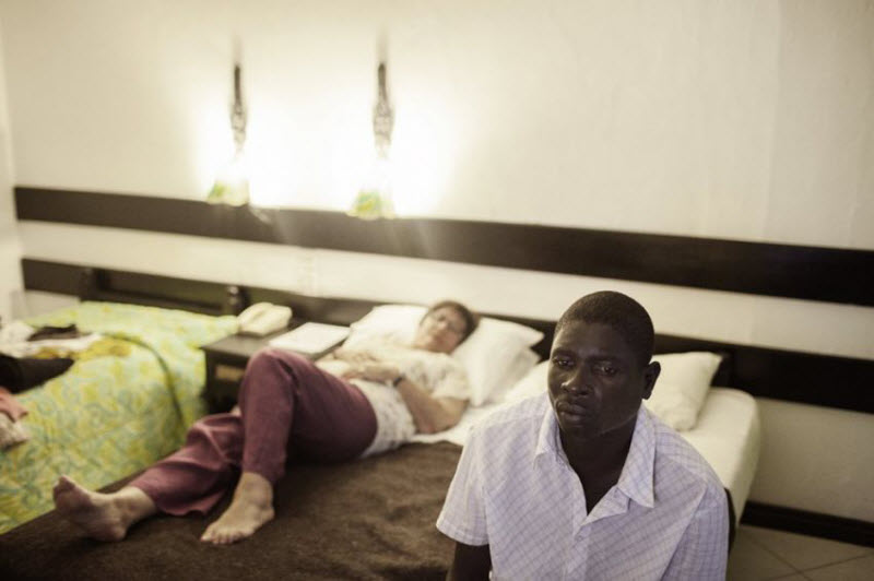 Романтический туризм для европейцев в Африке