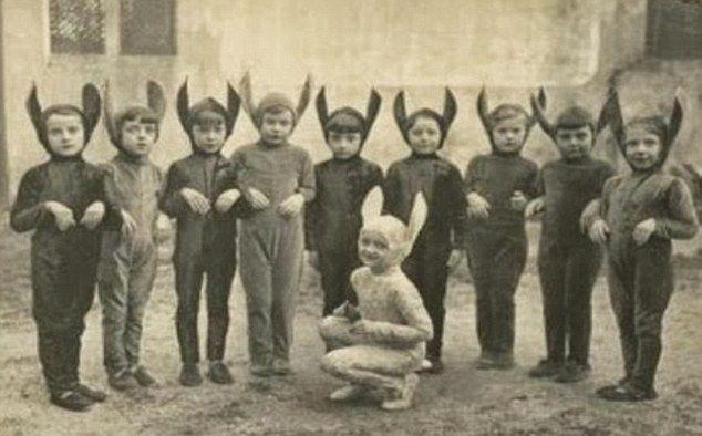 Костюмы к Хэллоуину прошлого века
