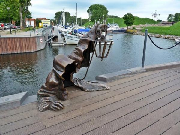 Необычные скульптуры и памятники со всего мира