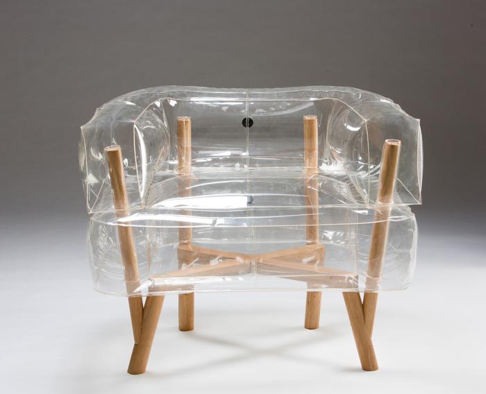Дизайнерское прозрачное надувное кресло