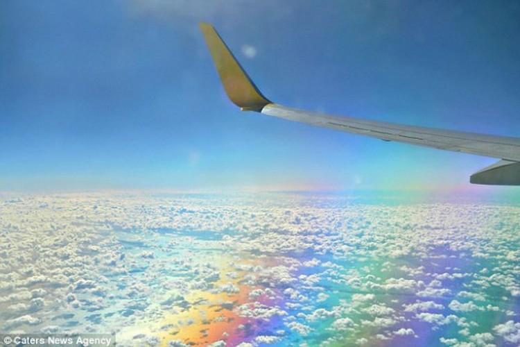 Пролететь над радугой или сквозь неё