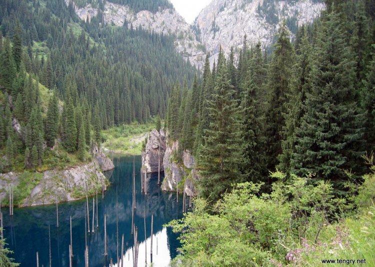 Озеро Каинды - достопримечательность Казахстана
