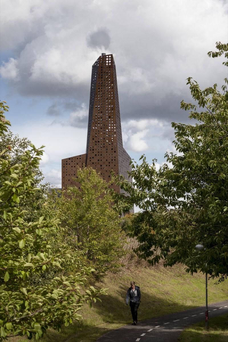 Необычный мусоросжигательный завод в Роскилле