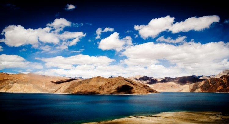 Озеро Бангонг-Цо в Гималаях