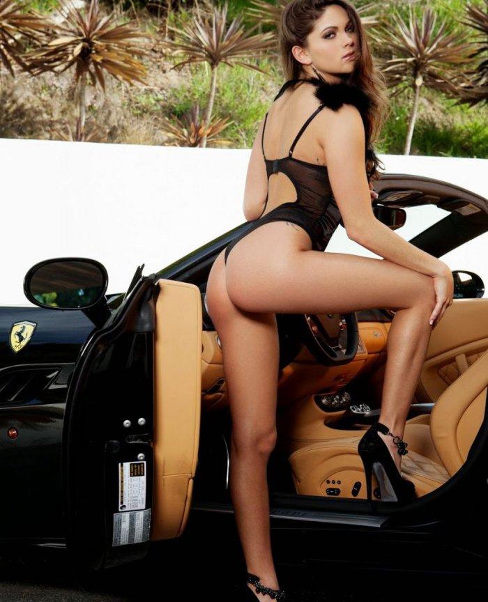 сексуальные девушки возле авто фото