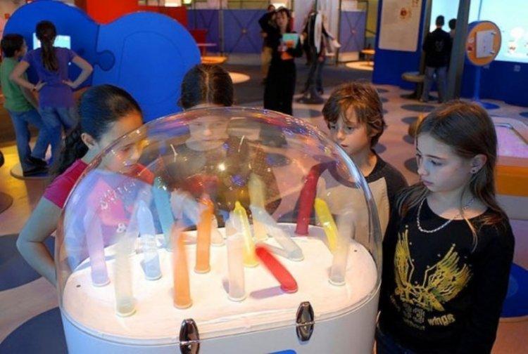 Необычная выставка для детей в Париже