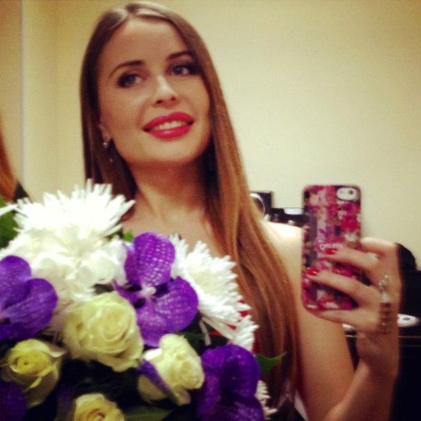Юля Михалкова заняла 49 место в списке самых сексуальных женщин России