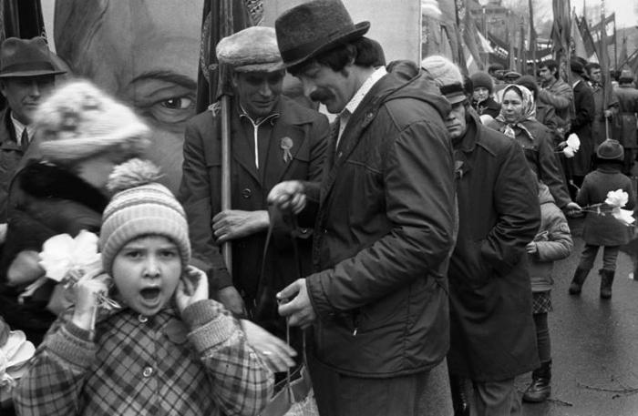 Обычная жизнь людей в СССР