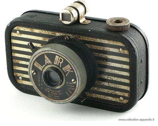 Впечатляющая коллекция старинных фотоаппаратов