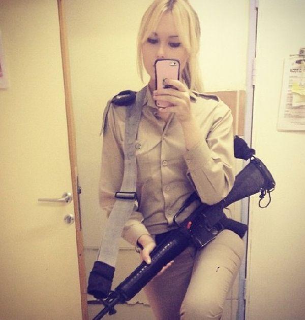 Сексуальные девушки - военнослужащие израильской армии