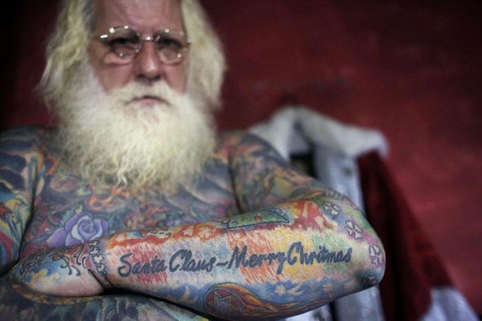 Татуированный Санта-Клаус