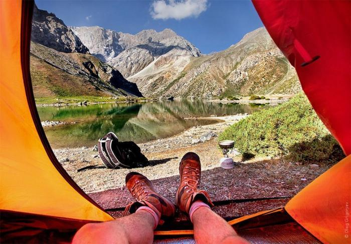 Завораживающие виды из туристической палатки