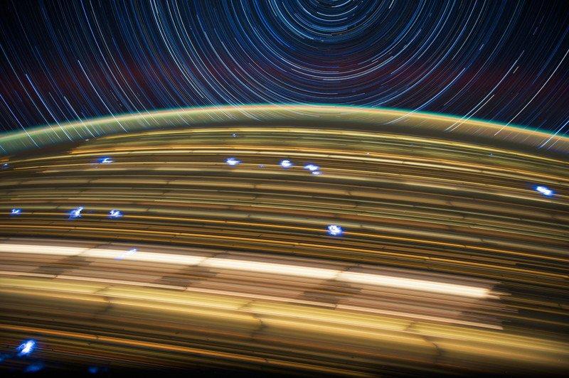 Фотографии Земли из космоса, сделанные на длинной выдержке