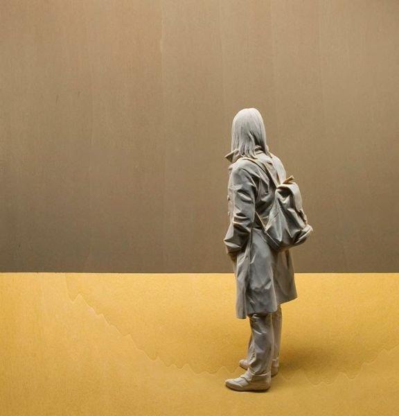 Реалистичные деревянные статуи