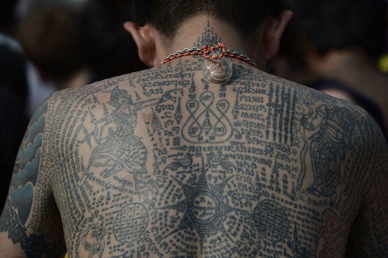 Магические татуировки от монахов в Таиланде