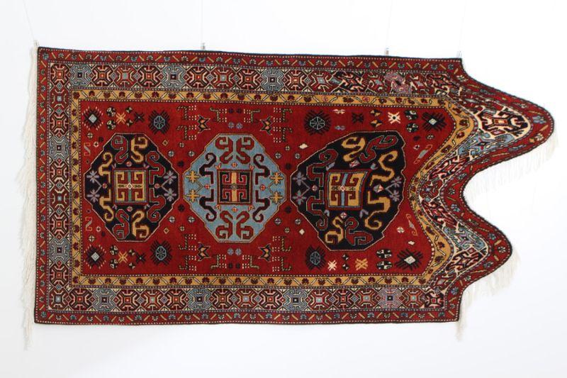 Традиционные ковры с цифровыми глюками и глитчами
