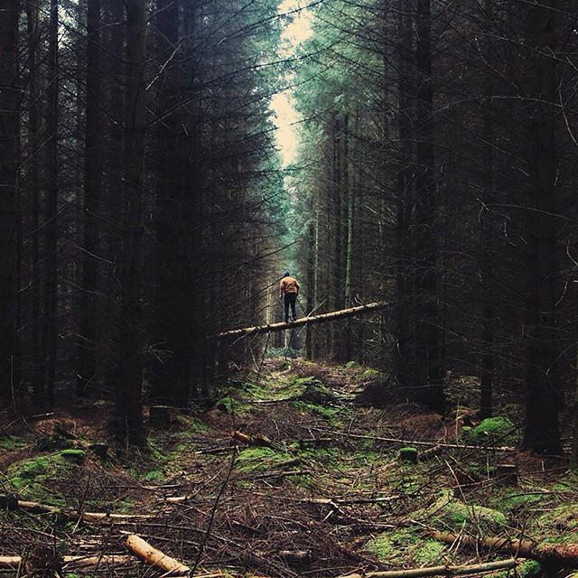 Человек на фоне природных пейзажей