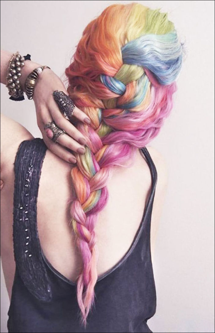 Разноцветные радужные волосы — новый тренд