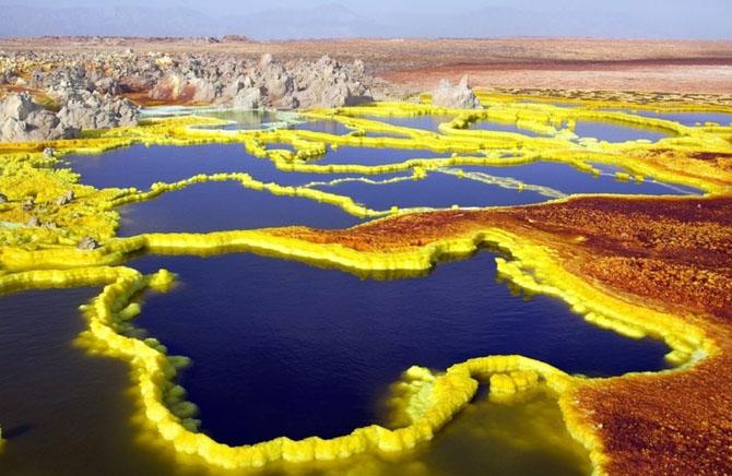 15 нереальных мест нашей планеты