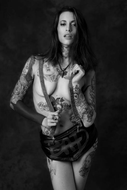 Секс с татуированной красивой девушкой