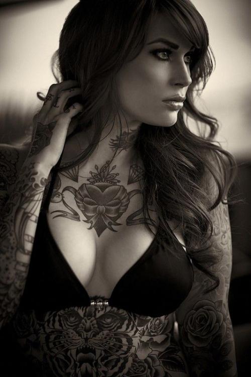 Красивые девушки тату-модели