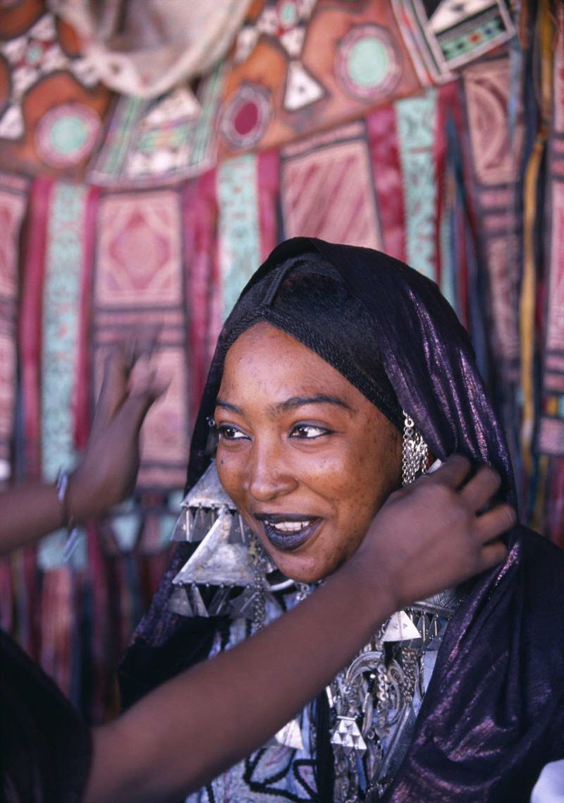 Женщины в пустыне Сахара
