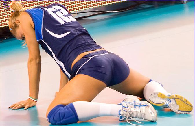 Сексуальные волейболистки фото