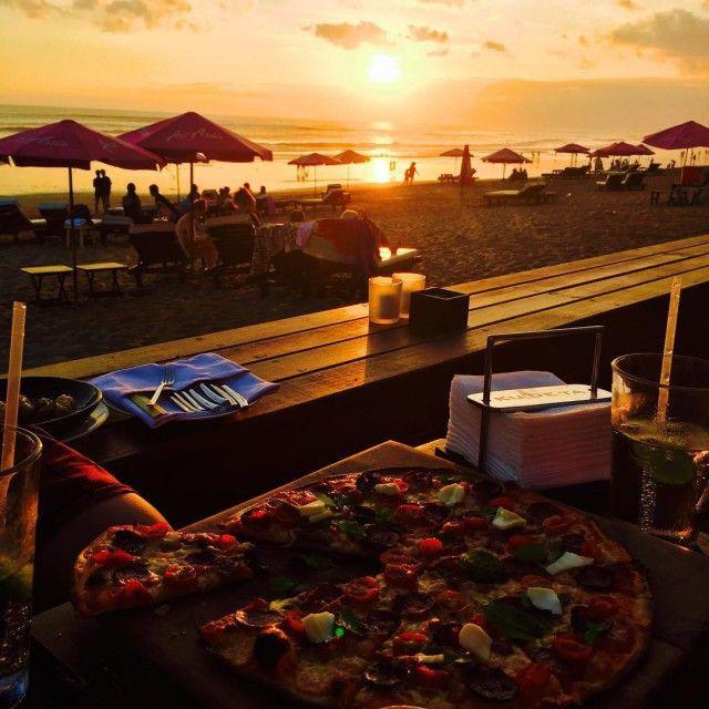 Страдания туристов, застрявших на Бали