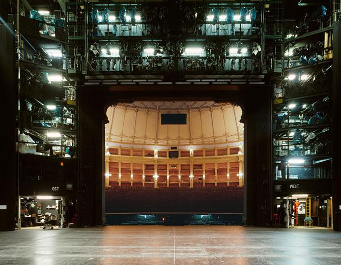 Театральная сцена глазами актеров от фотографа Клауса Фарма