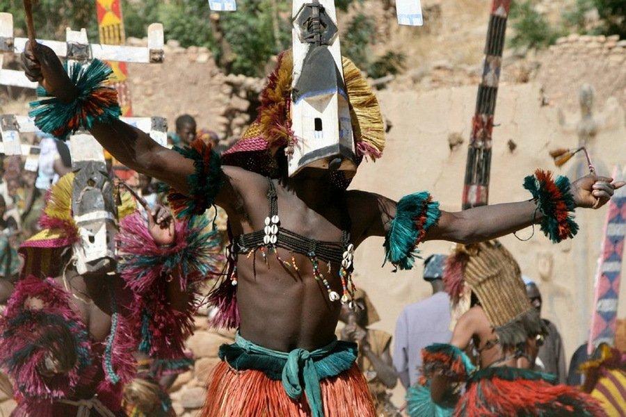 Рынки для колдунов с оккультной атрибутикой