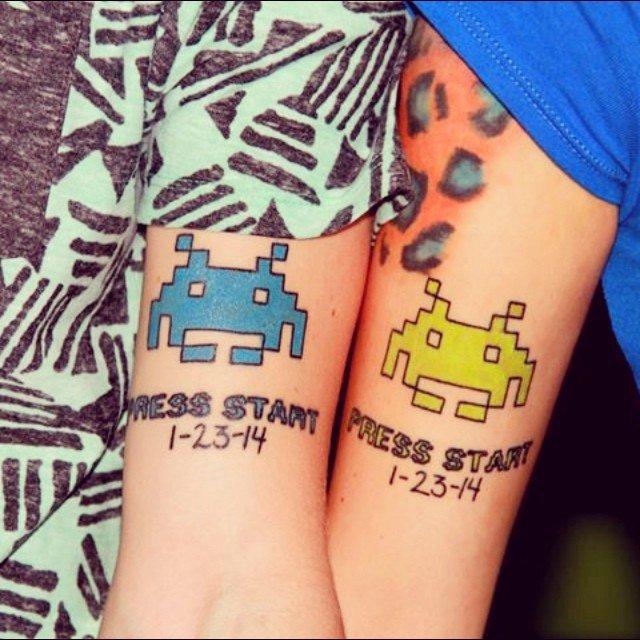 Парные татуировки из двух половинок