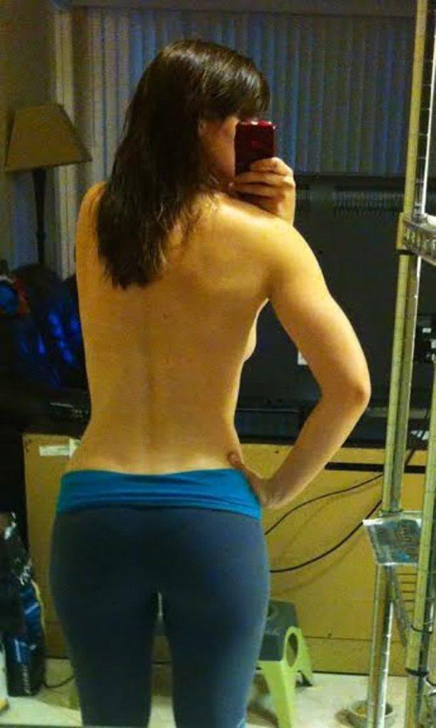 Сексуальные девушки в обтягивающих штанах