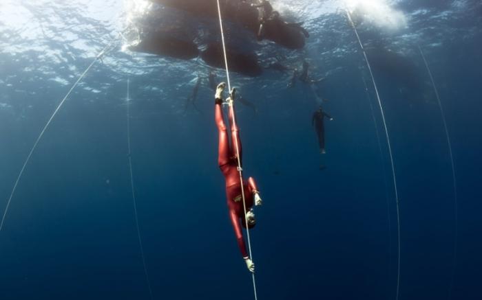 Как научиться надолго задерживать дыхание под водой