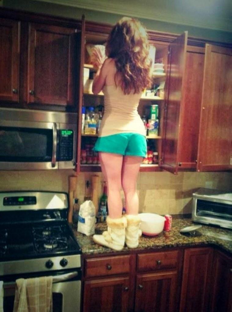 Как живется девушкам с низким ростом
