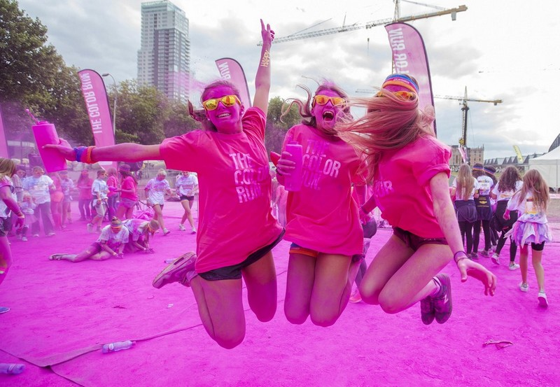 Красочный забег за здоровый образ жизни в Бельгии
