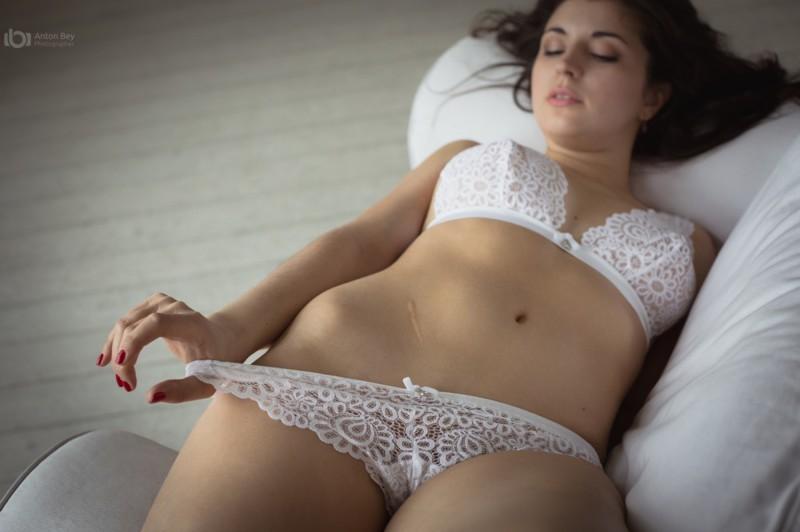 Видео девки возбуждают девок, жесткое порно негры полненькую видео