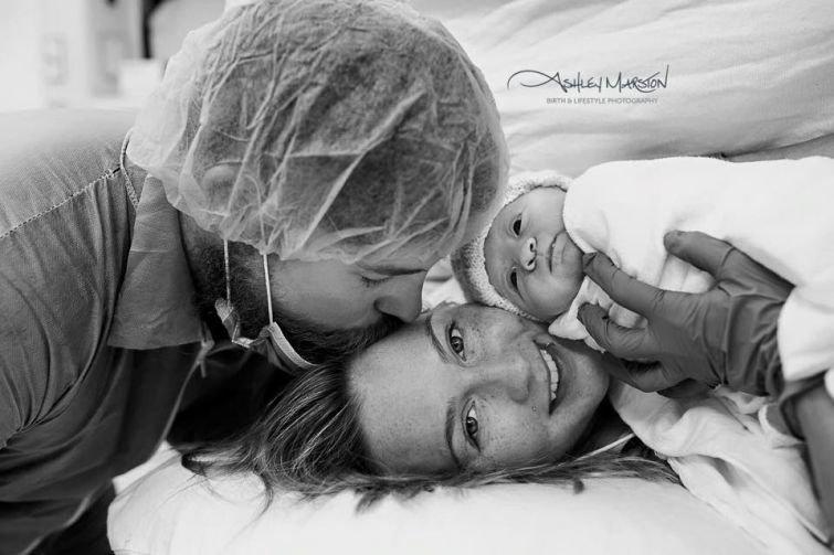 Первые минуты жизни на эмоциональных и трогательных фото