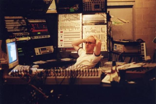 Студии известных музыкантов на фотографиях