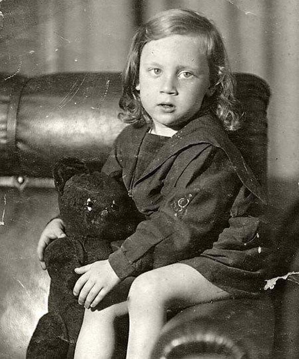 Интересные старые фотографии знаменитостей