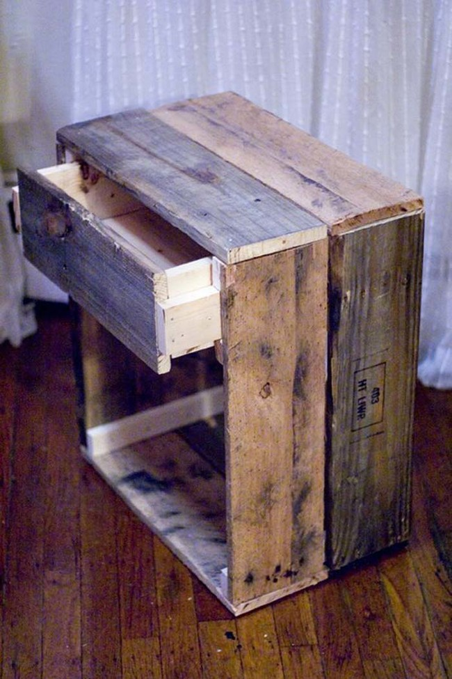Оригинальные предметы, сделанные из старых досок