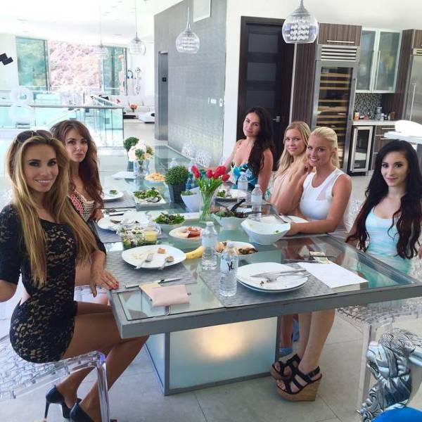 Роскошная жизнь семейства Йотта на фотографиях из Instagram