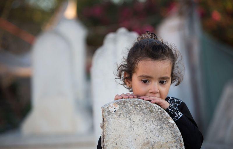 Детство, проведенное на кладбище