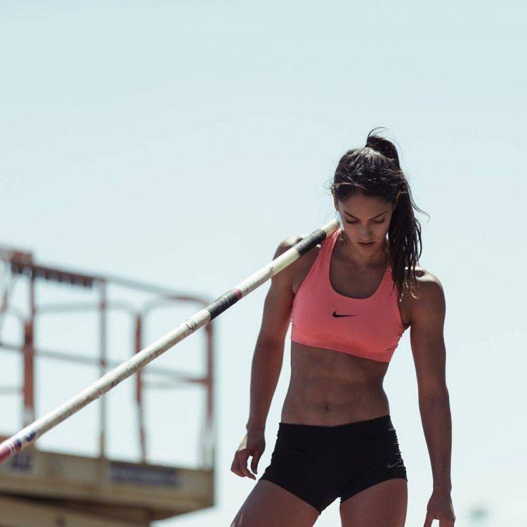 Красивые девушки увлекаются спортом