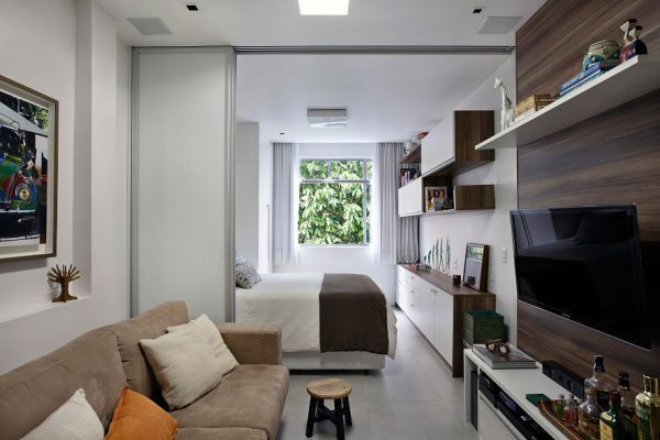 Пример обустройства узкой комнаты