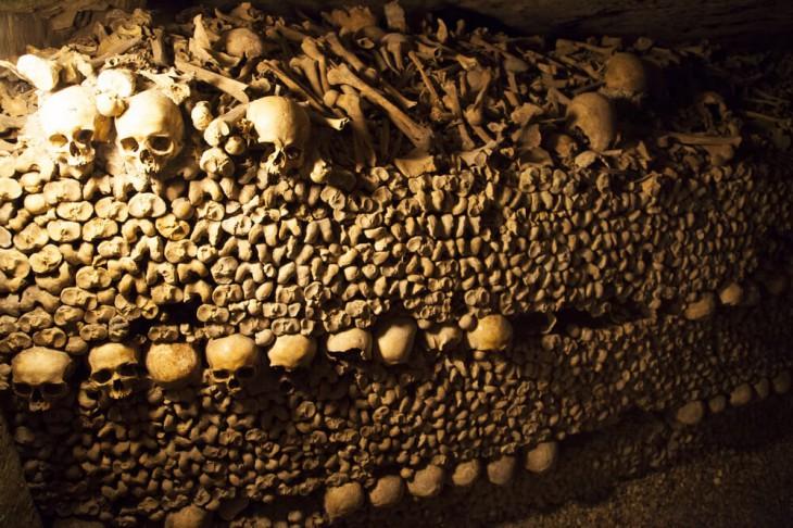 12 жутко интересных кладбищ мира