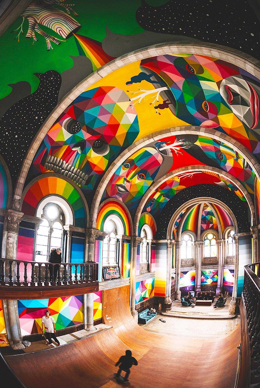 Скейт-парк в здании бывшей церкви в Испании