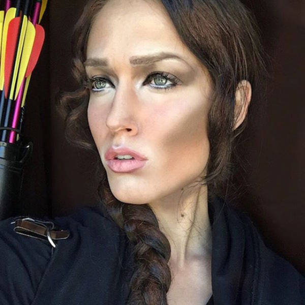 Профессиональный визажист Ребекка Свифт превращает себя в разных звезд