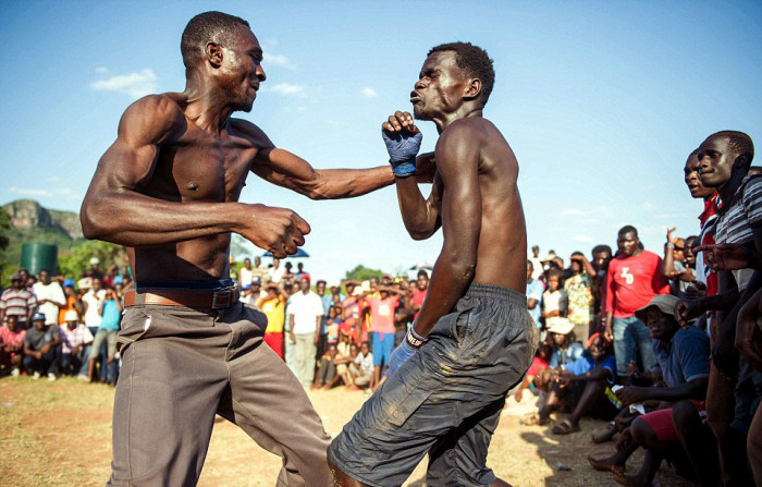 Как проходят кулачные бои Мусангве в ЮАР