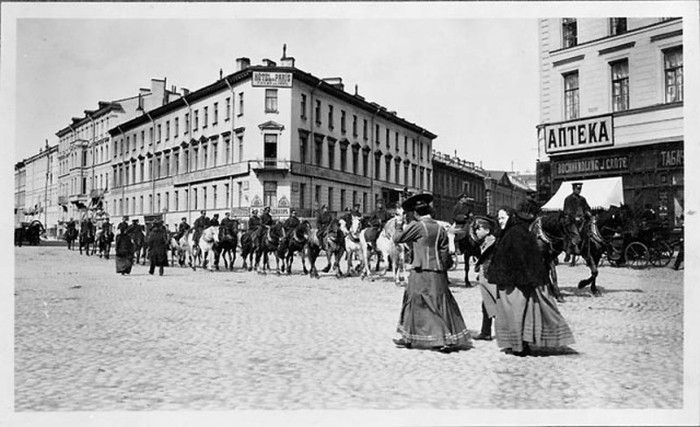 Дореволюционная Москва на черно-белых снимках