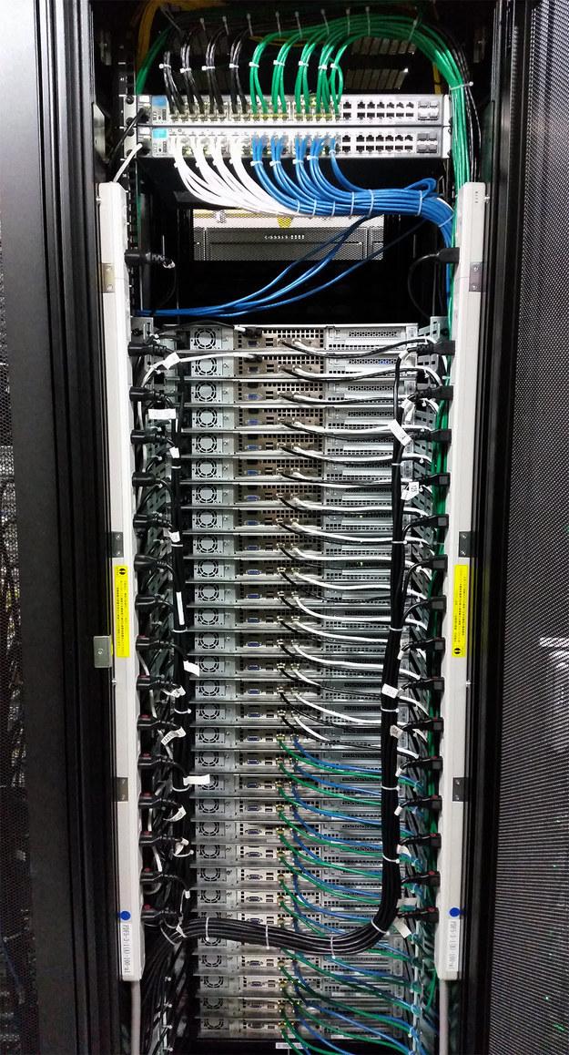 Когда в серверной работают сисадмины-перфекционисты